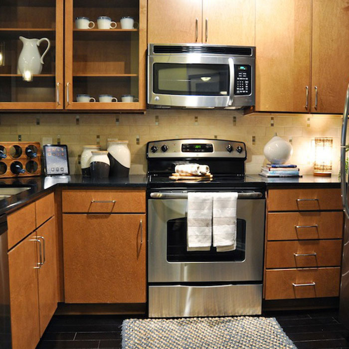 kitchen-with-stainless-steel-appliances